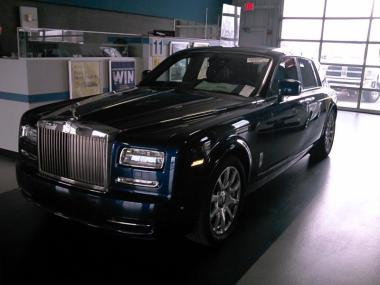 used 2014 rolls royce phantom sedan 4 doors car for sale at auctionexport. Black Bedroom Furniture Sets. Home Design Ideas