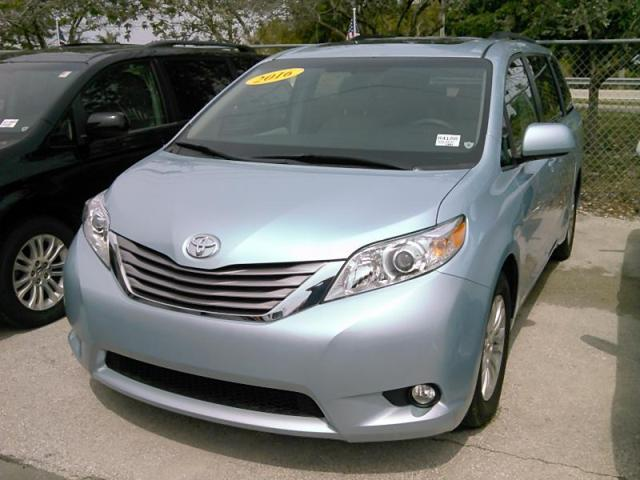 used 2016 toyota sienna xle sports van car for sale at auctionexport. Black Bedroom Furniture Sets. Home Design Ideas