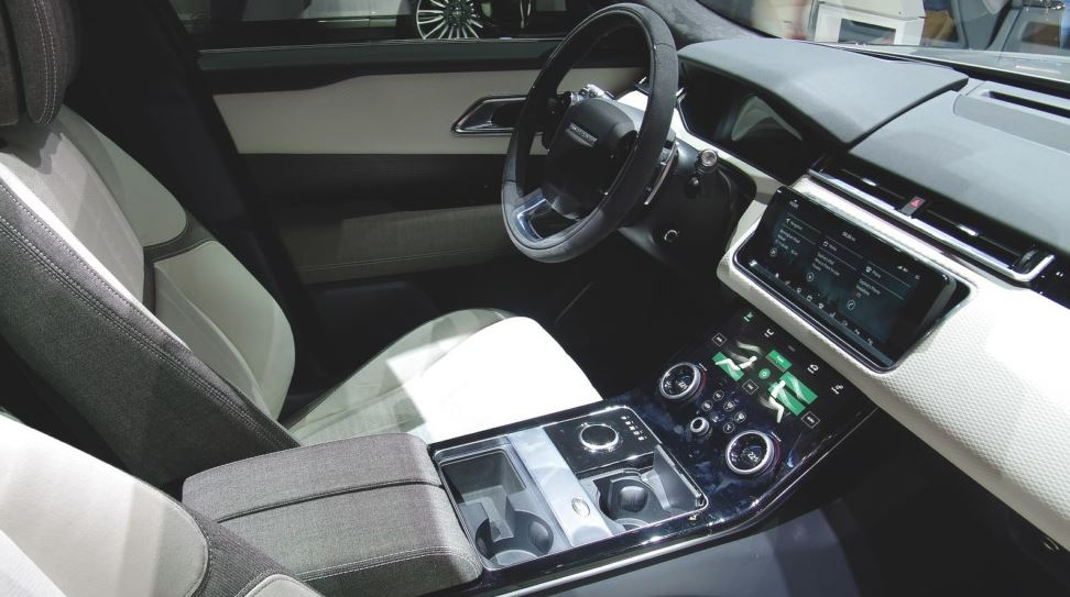 the first meeting with range rover velar. Black Bedroom Furniture Sets. Home Design Ideas