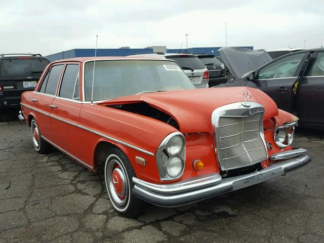 Damaged salvage accidental mercedes benz 250se car for sale for Mercedes benz auto wreckers
